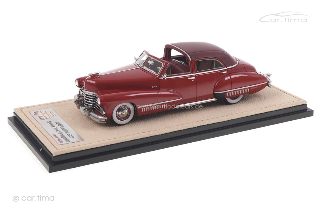 Cadillac Sixty Special Town Brougham by Derham Stamp Models 1:43 STM42201