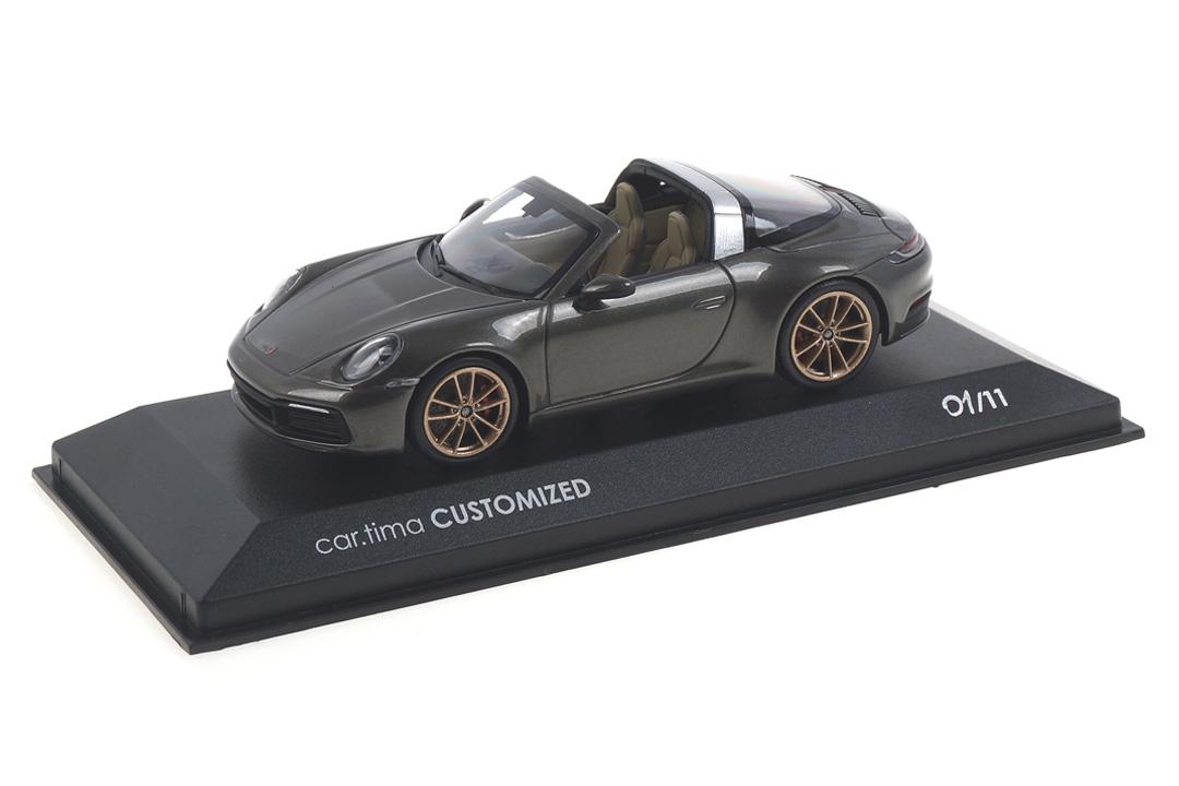 Porsche 911 (992) Targa 4S Aventuringrünmet./Rad aurum Minichamps car.tima CUSTOMIZED
