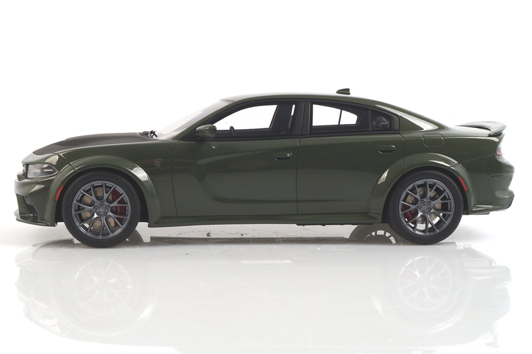 Dodge Charger SRT Hellcat Widebody grün GT Spirit 1:18 GT303