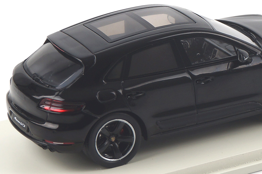 Porsche Macan GTS Schwarz Spark 1:43 S4975
