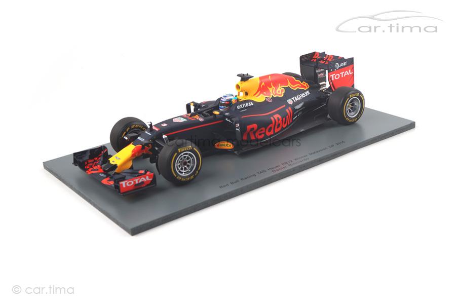 Red Bull Racing RB12 Winner GP Malaysia GP 2016 Daniel Ricciardo Spark 1:18 18S251