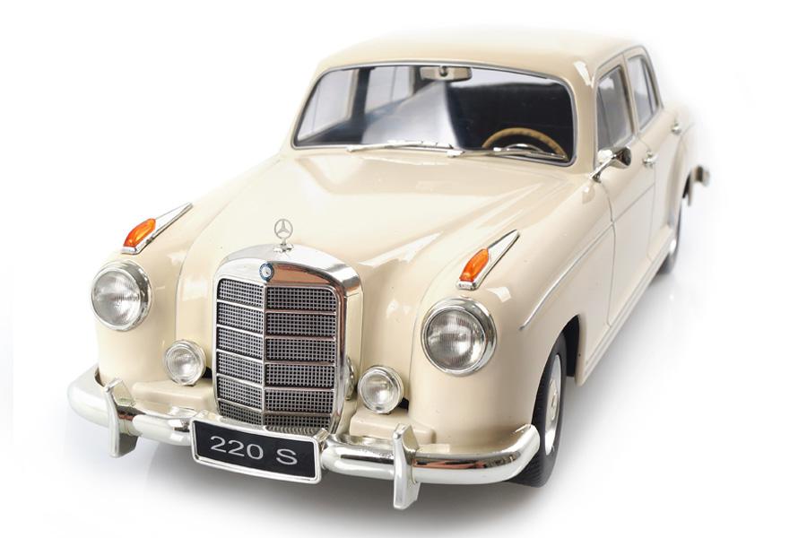 Mercedes-Benz 220 S Limousine 1954 creme KK Scale 1:18 KKDC180324