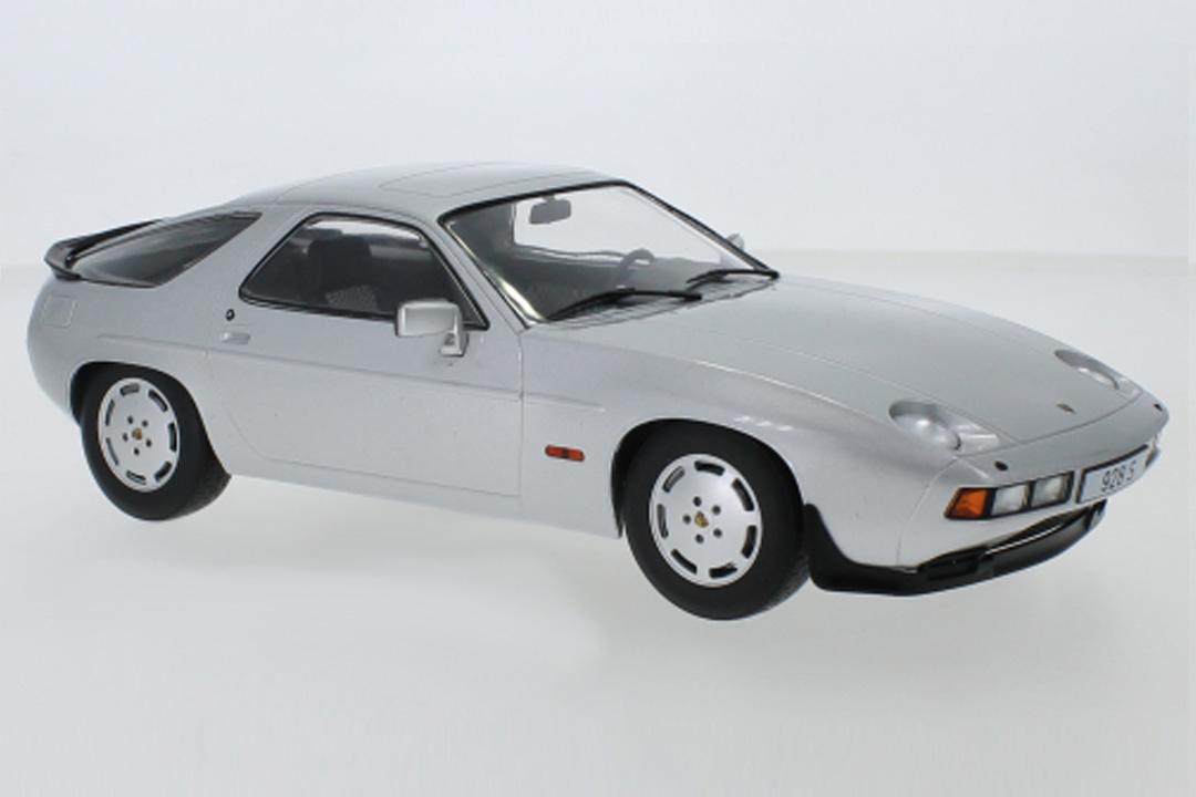 Porsche 928 S silber MCG 1:18 MCG18200